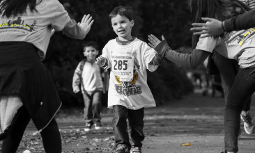kid-running-to-finish-1